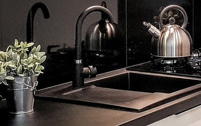 Der perfekte Spritzschutz in der Küche