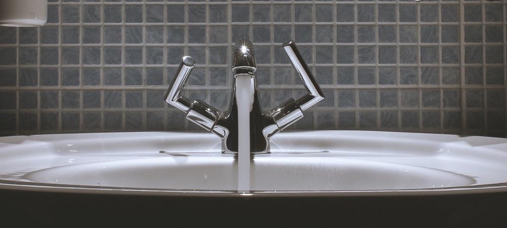 Standwaschbecken im Badezimmer